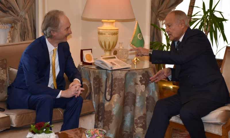 الأمين العام لجامعة الدول العربية حمد أبو الغيط، في لقاء مع المبعوث الأممي لسوريا في القاهرة 27 كانون الثاني 2019 (جامعة الدول العربية)
