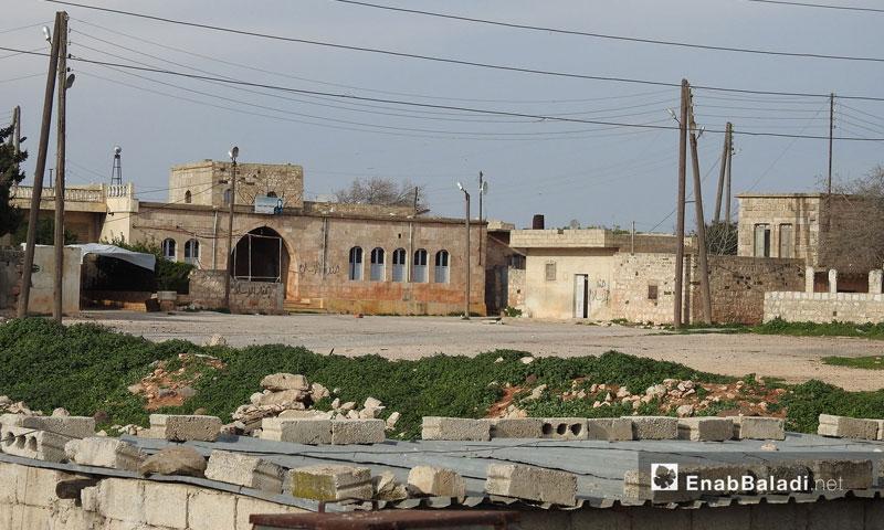 منازل على الطريق بين قرى جلبل ومريمين وأناب في عفرين – 11 آذار 2018 (عنب بلدي)