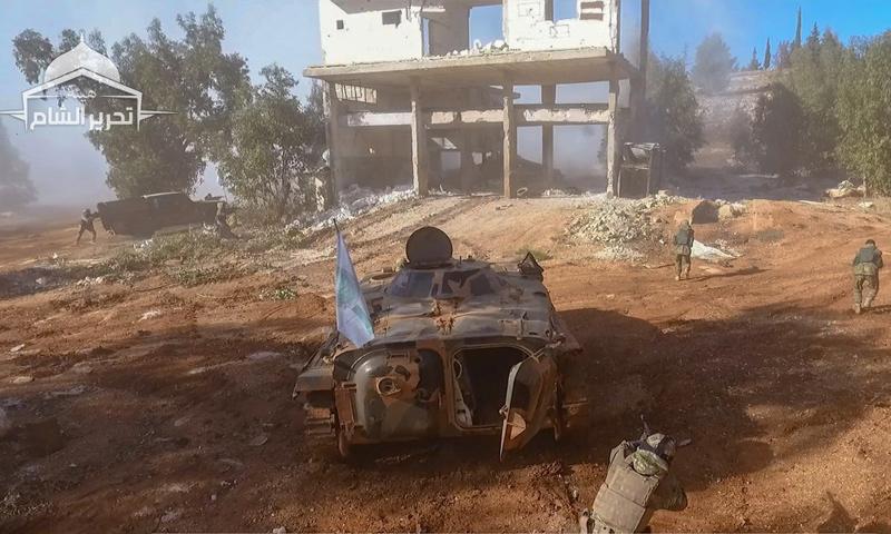 عناصر من هيئة تحرير الشام في دورة تدريببية بريف إدلب - (تحرير الشام)