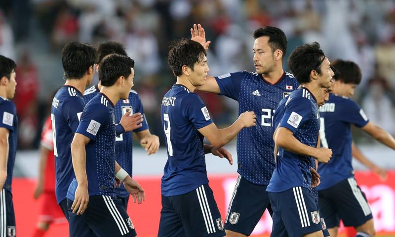 المنتخب الياباني خلال مباراة عمان في الجولة الثانية من كأس الأم الآسيوية (AFC)