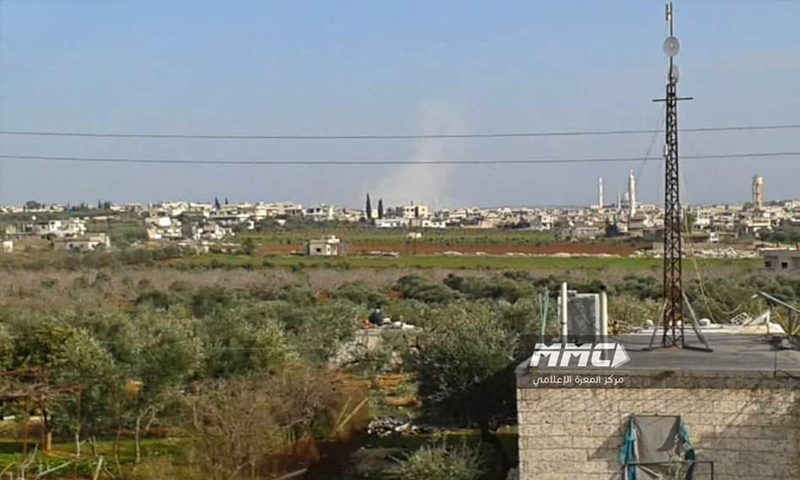قصف مدفعي من جانب قوات الأسد على مدينة كفرزيتا بريف حماة - 22 من كانون الثاني 2019 (مركز المعرة الإعلامي)
