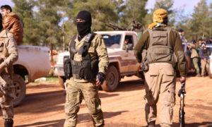 عناصر من الجبهة الوطنية للتحرير ف يأثناء انطلاقهم إلى تلمنس - 4 من كانون الثاني 2018 (مداد برس)