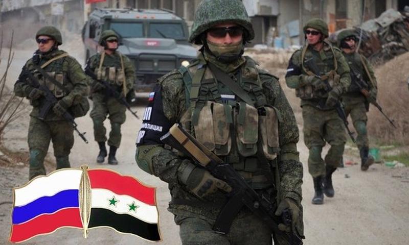 دوريات للشرطة الروسية في مدينة دوما بالغوطة الشرقية - (ANNA NEWS)