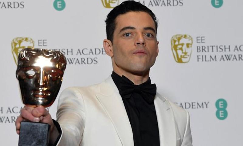 """الممثل رامي مالك يتوج بجائزة """"بافتا"""" (رويترز)"""