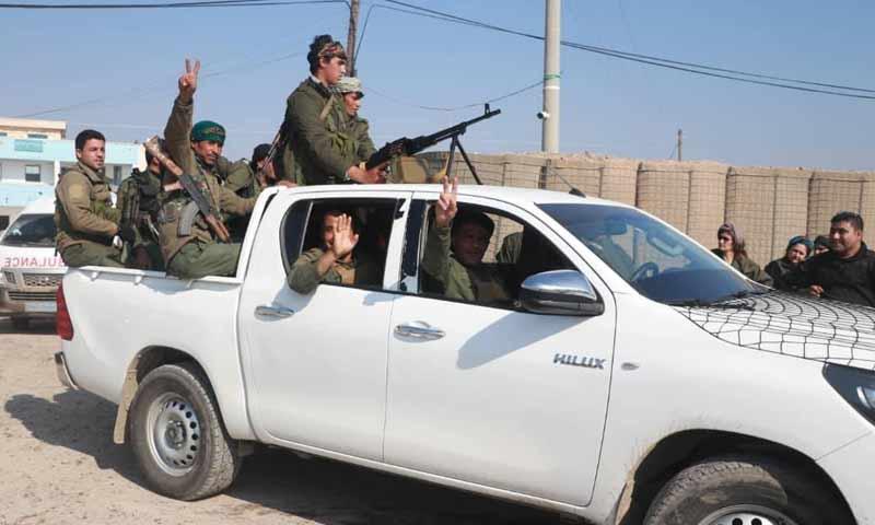 """عناصر قوى الأمن الداخلي التابع لـ""""قسد"""" في مدينة الرقة تشرين الأول 2018 (قوى الأأمن الداخلي)"""