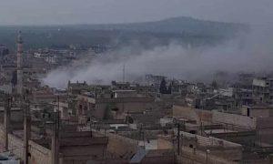 قصف مدفعي على مدينة خان شيخون جنوبي إدلب 26 شباط 2019 (عاصي برس)
