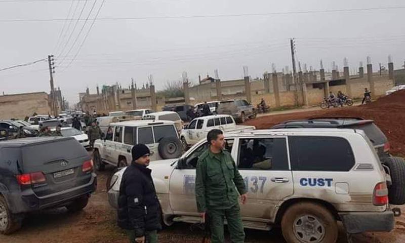 دورية من الجمارك في مدينة قمحانة بريف حماة الشمالي - 8 من شباط 2019 (فيس بوك)
