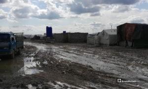 غرق خيم بسبب الأمطار في مخيمات مخيم المرج بريف حلب الشمالي - 28 من شباط 2019 (عنب بلدي)