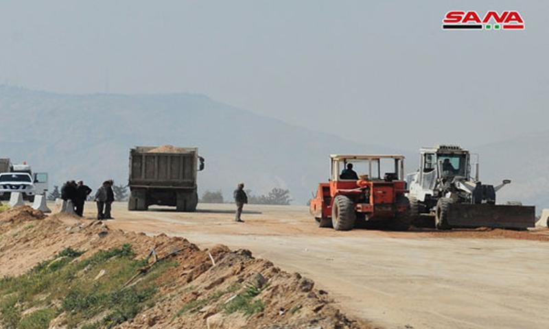 الجسر الواصل بين مدينة عين ترما والحدود الإدارية لدمشق (سانا)