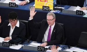 تصويت البرلمان الأوربي على تعديل حقوق الملكية في بتسبيرغ - 26 آذار 2019 (AFP)