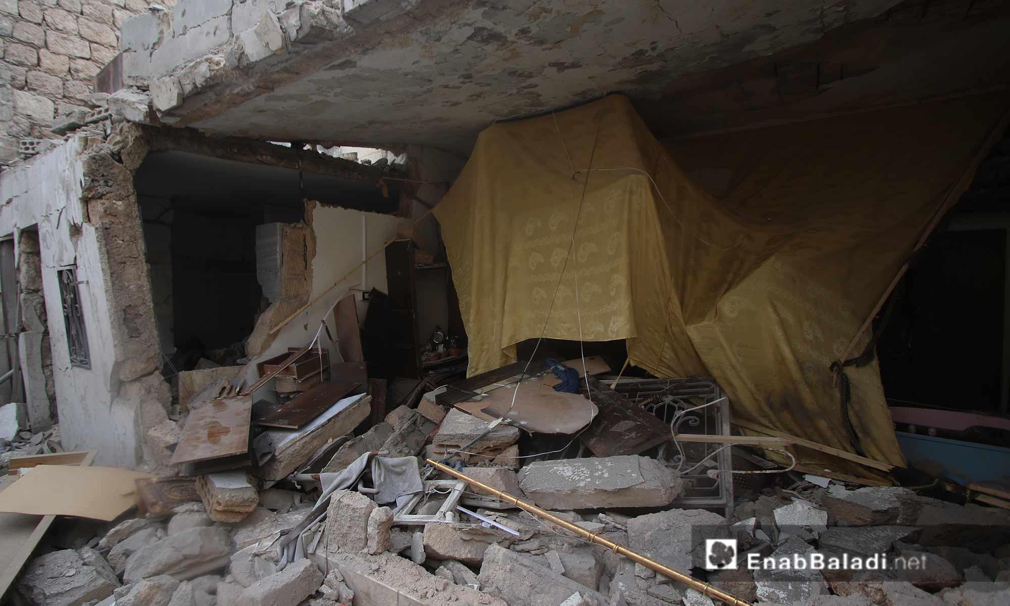 آثار قصف الطيران الحربي على الأحياء السكنية والمراكز الخدمية في مدينة سراقب شرقي إدلب 10 آذار 2019 (عنب بلدي)