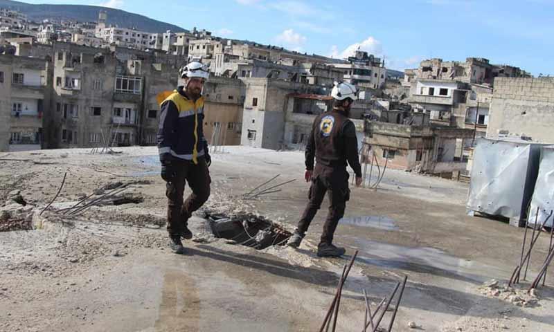 أثار القصف المدفعي من قوات الأسد في مدينة جسر الشغور غربي إدلب 6 آذار 2019 (الدفاع المدني السوري)