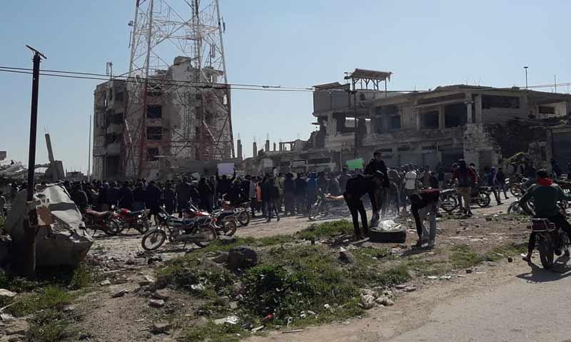 مظاهرة في درعا البلد تنادي باسقاط النظام وترفض نصب تمثال لحافظ الأسد وسط المدينة 10 أذار 2019 (Aboalbaraa Alhorani)