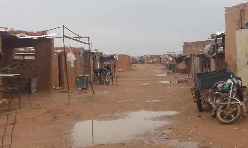 مخيم الركبان الحدودي مع الأردن (صفحة أسواق الركبان)