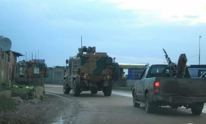 دورية عسكرية تركية أثناء دخولها من معبر كفرلوسين إلى نقاط المراقبة شرقي إدلب 15 آذار 2019 (شبكة المحرر)