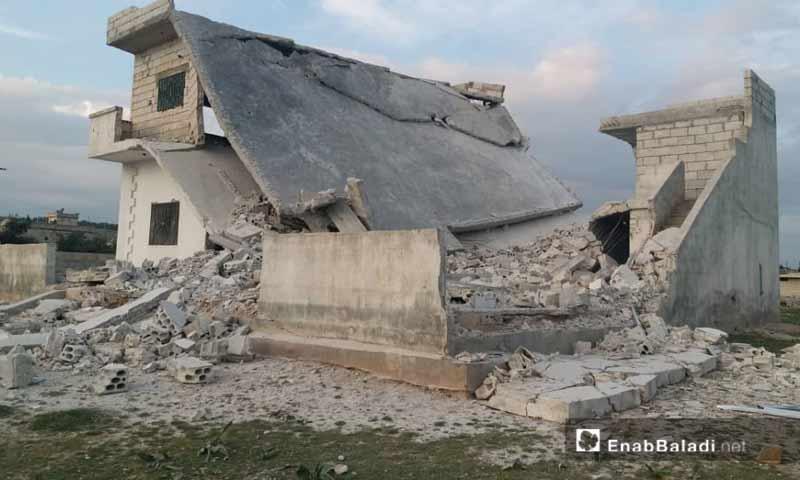 أثار القصف المدفعي من قوات الأسد على قرية الكركات بريف حماة الغربي 20 آذار 2019 (عنب بلدي)