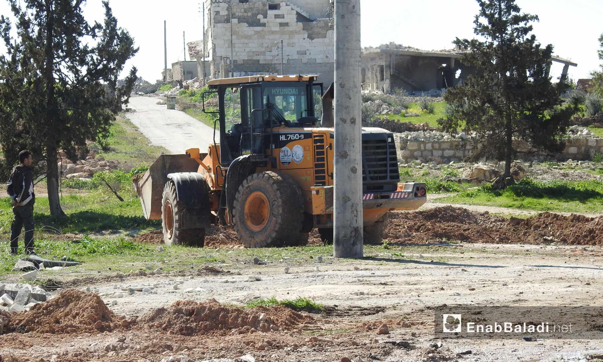 تجهيز معبر أبو الزندين في ريف حلب الواصل مع مناطق سيطرة النظام السوري - 18 من آذار 2019 (عنب بلدي)