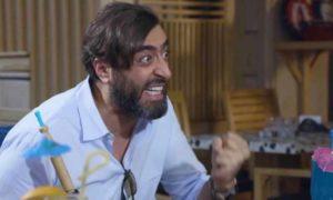 """الممثل باسم ياخور في إحدى لوحات مسلسل """"ببساطة"""" (يوتيوب)"""