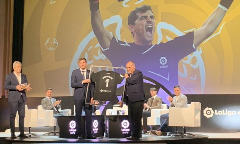 """إيكر كاسياس يسمى بـ""""أيقونة الدوري الإسباني""""- 18 من آذار 2019 (لا ليغا)"""
