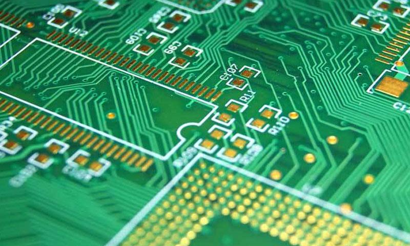 كيف تصنع الدارات التي ترونها في الأجهزة الإلكترونية عنب بلدي