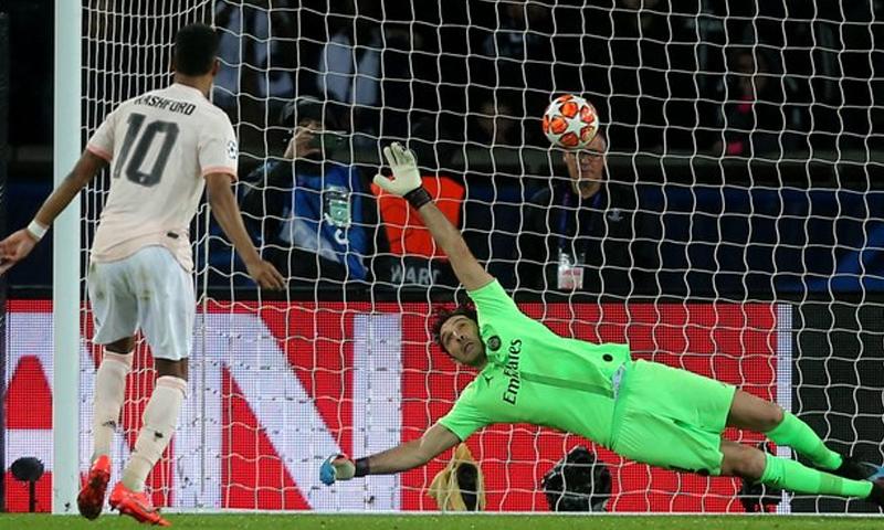 ماركوس راشفورد يسجل هدف التأهل في شباك باريس سان جيرمان (مانشستر يونايتد تويتر)