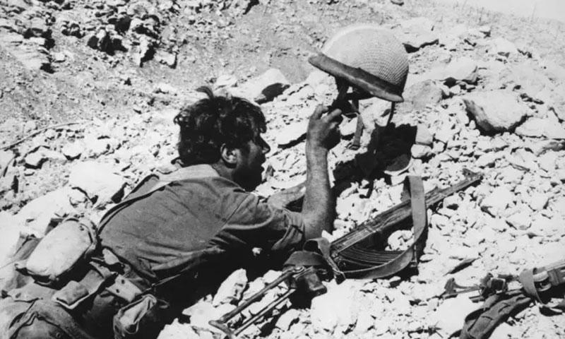 جندي إسرائيلي في مرتفعات الجولان خلال حرب تشرين - 1973 (Getty)