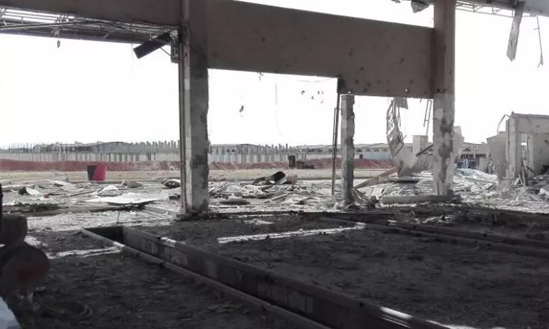 اثار دمار الضربة العسكرية المجهولة على ريف حماة (وسائل إعلام النظام)