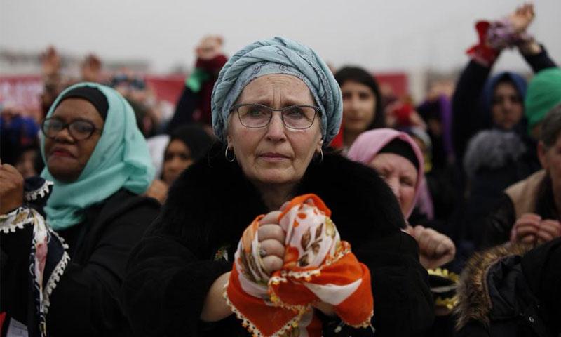 امرأة تشارك في حركة الضمير - 8 آذار 2018 (IHH)