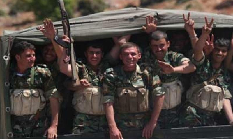 جنود سوريون أثناء الانسحاب السوري من لبنان 27 نيسان 2017 (النهار اللبنانية)