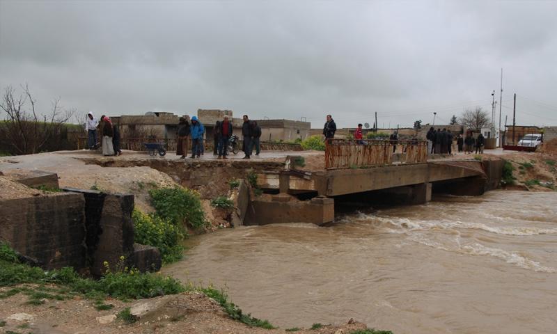 جسر عون الدادات الواصل بين منبج ومناطق درع الفرات - 2 من نيسان 2019 (ANHA)