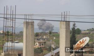 قصف روسي على مناطق في ريف إدلب الجنوبي - 26 من نيسان 2019 (عنب بلدي)