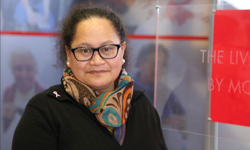 الممرضة النيوزيلندية لويزا آكفي (الصليب الأحمر)