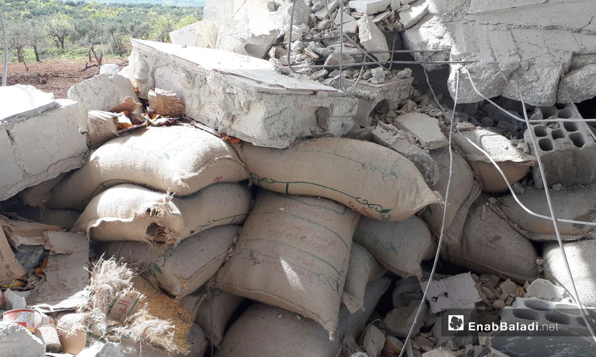 أثار قصف الطيران الروسي على بلدة أورم الجوز جنوبي إدلب 14 نيسان 2019 (عنب بلدي)