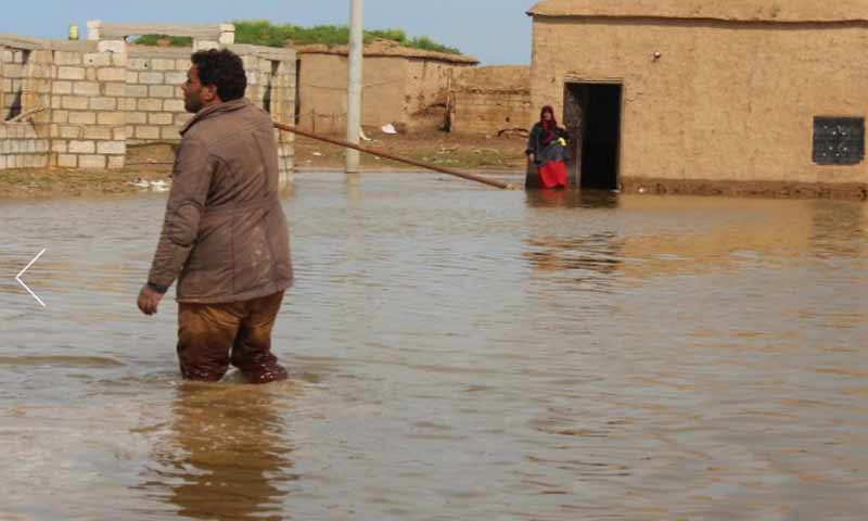 مدنيون سوريون محاصرين في قرى بريف الحسكة بسبب الفيضانات ومياه الأمطار 6 نيسان 2019 (وكالة هاوار)