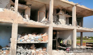 مكتب مدير التربية والتعليم بريف حماة الغربي بعد تعرضه لقصف من الطيران الروسي 28 نيسان 2019 (عنب بلدي)