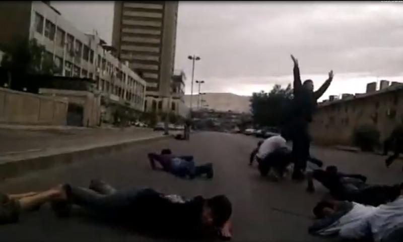 """إطلاق رصاص على المتظاهرين في يوم """"الجمعة العظيمة""""-22 من نيسان 2011 (تنسيقية مدينة سقبا)"""