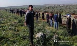 أهالي قرية النقير يرفضون إنشاء محكمة لتحرير الشام قرب منازلهم - 3 من نيسان 2019 (عنب بلدي)