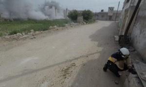 فرق الدفاع المدني تخلي ضحايا القصف الجوي على ريف إدلب - 30 من نيسان 2019 (الدفاع المدني)