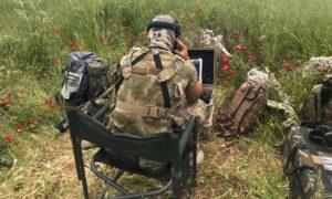 مقاتل روسي يشارك في معارك قوات الأسد في ريف حماة - 10 من أيار 2019 (ANNA)