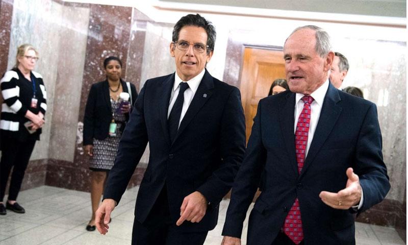 بن ستيلر وعضو مجلس الشيوخ جيمس ريستش في مبنى ديركسن قبل جلسة الاستماع للجنة العلاقات الخارجية التابعة لمجلس الشيوخ الأمريكي - 1 أيار 2019 (Getty)