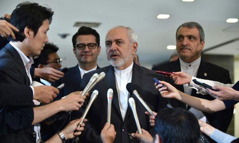وزير الخارجية الإيراني جواد ظريف في طوكيو - 16 أيار 2019 (AFP)