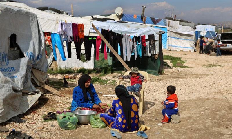 لاجئون سوريون في وادي البقاع في لبنان - 29 آذار 2016 (AP)