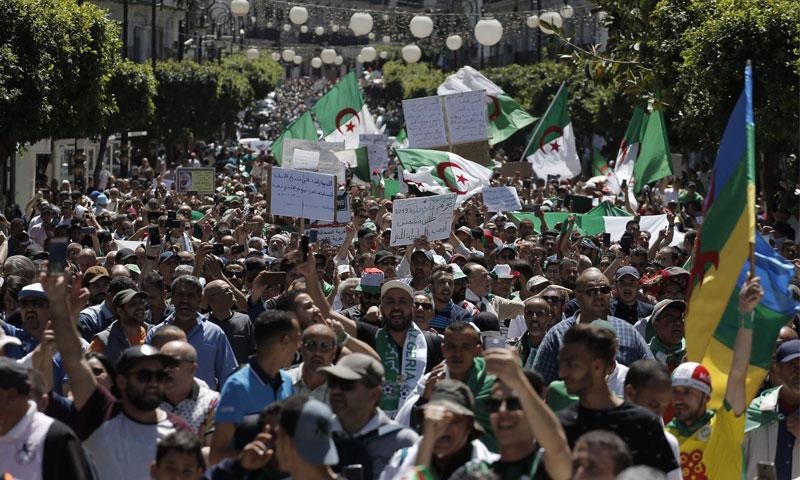المظاهرات الشعبيةالمطالبة بالتغيير في الجزائر - 10 أيار 2019 (AP)