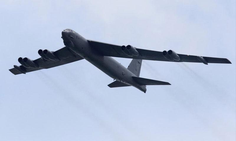 قاذفة أمريكية من طراز B-52 (رويترز)