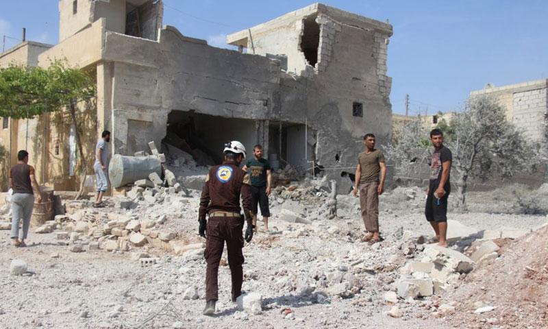 مدينة خان شيخون بعد تعرضها لغارات جوية من الطيران السوري 16 من أيار 2019 (الدفاع المدني السوري)