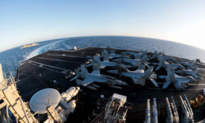 حاملة الطائرات الأمريكية لينكولن في البحر الأبيض المتوسط - 29 نيسان 2019 (رويترز)