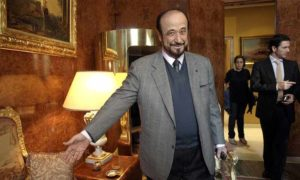 رفعت الأسد عم رئيس النظام السوري بشار الأسد في باريس (AP)