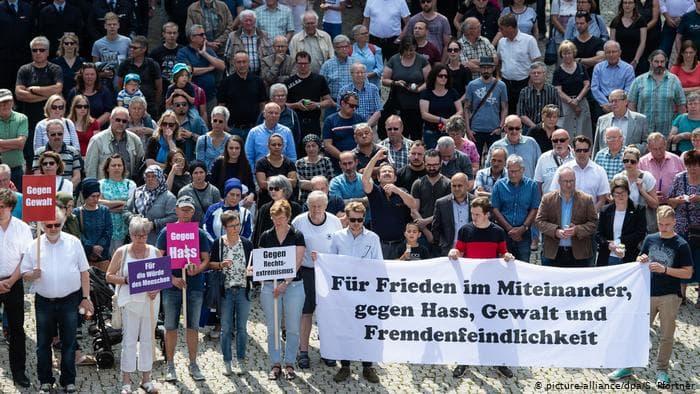 """مظاهرة في مدينة """"كاسل"""" الألمانية ضد """"اليمين المتطرف""""، 2019، موقع DW"""