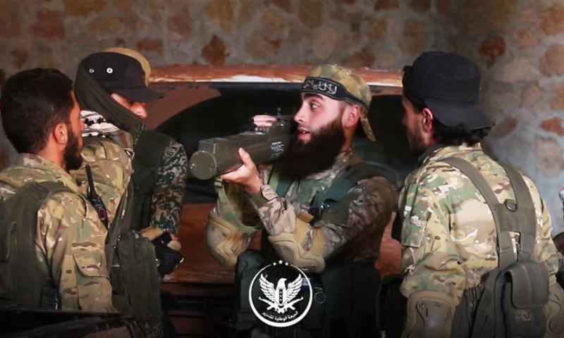 عناصر من الجبهة الوطنية للتحرير على جبهات ريف حماة الشمالي - حزيران 2019 (الجبهة الوطنية)
