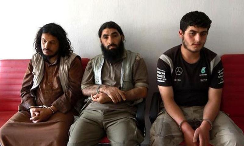 """ثلاثة مشتبهين بانتمائهم لتنظيم """"الدولة الإسلامية"""" في قبضة حرس الحدود التركي - 4 حزيران (الأناضول)"""